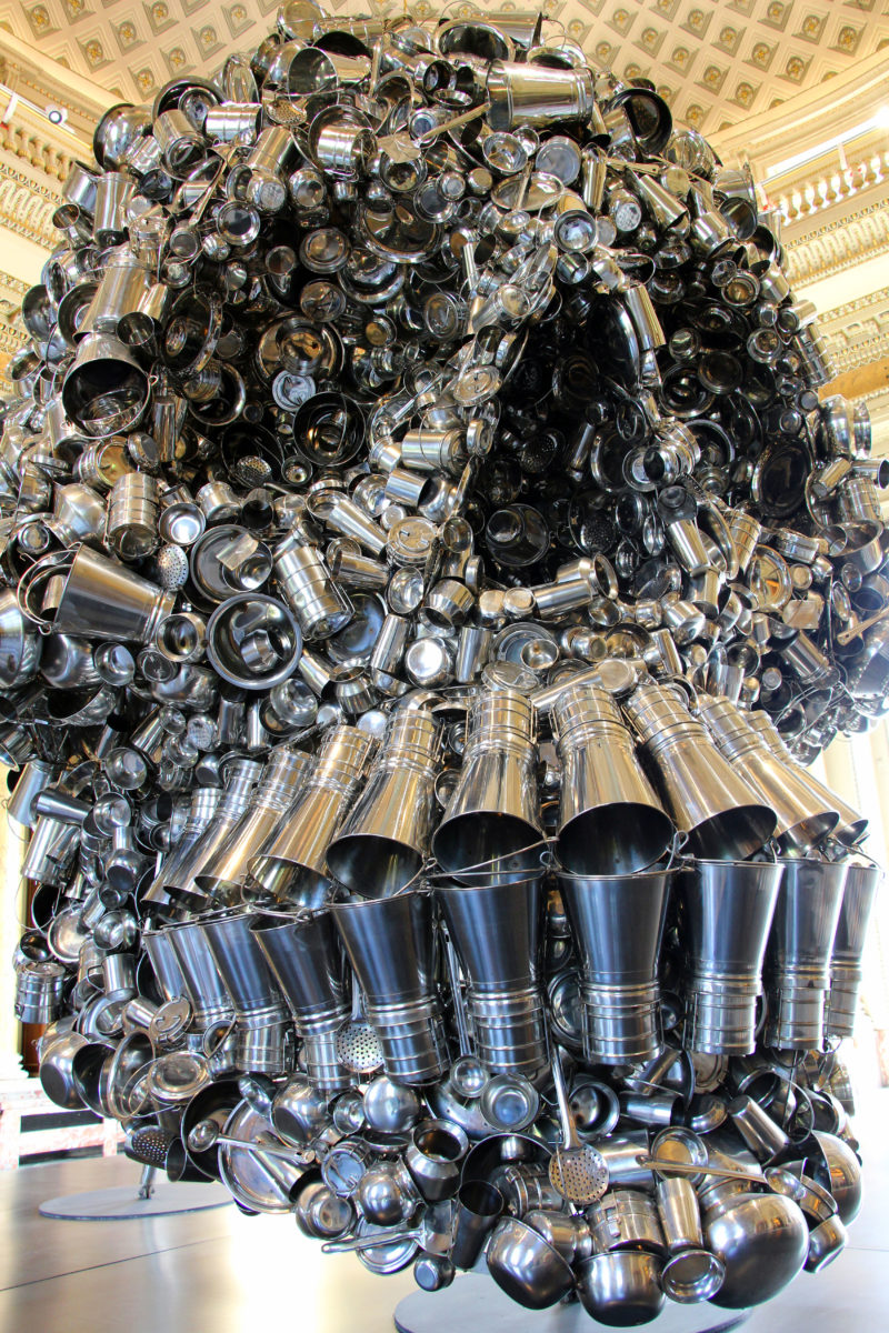 Subodh Gupta – Very Hungry God, 2006, hundreds of stainless steel containers, 360 x 280 x 330 cm, installation view, Monnaie de Paris