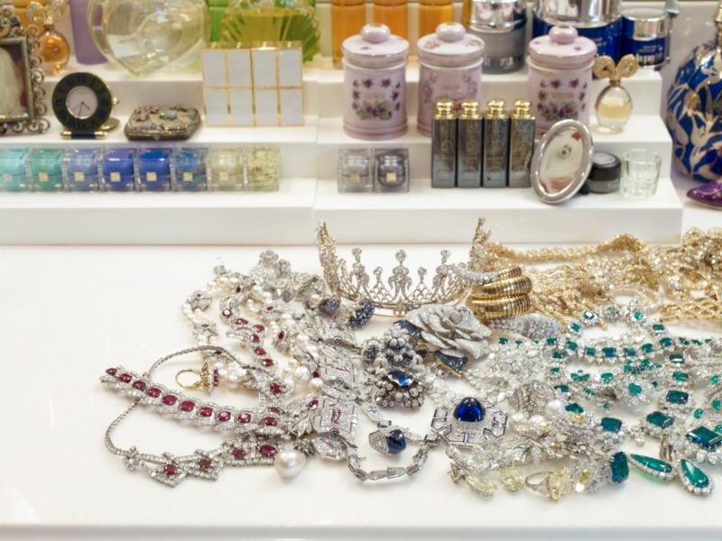 Catherine Opie – A pile of jewels in the actress's dressing room, from 700 Nimes Road, Elizabeth Taylor's home