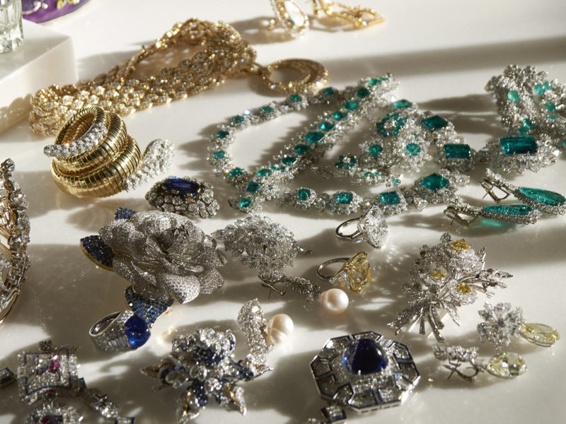 Catherine Opie – Jewels in Afternoon Light #1, from 700 Nimes Road, Elizabeth Taylor's home