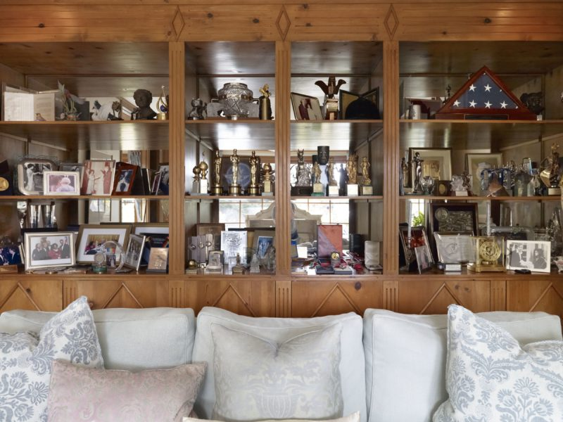 Catherine Opie – The trophy room, from 700 Nimes Road, Elizabeth Taylor's home