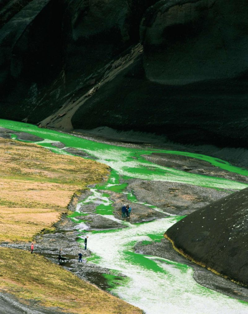Olafur Eliasson – Green river, 1998, uranin, water, The Northern Fjallabak Route, Iceland, 1998