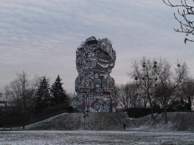 Jean Dubuffet - Tour aux figures, produced between 1985 and 1988 according to the 1967 model, epoxy painted with polyurethane on a concrete structure, height 24m