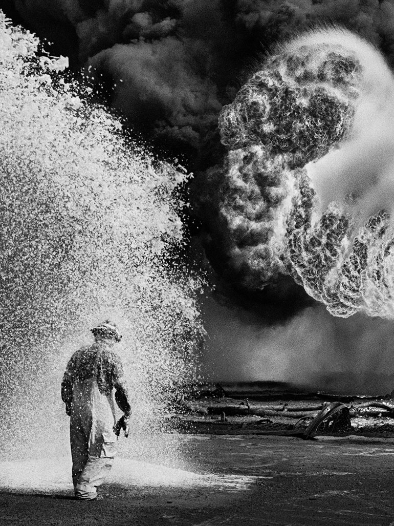 Sebastião Salgado in Kuwait & A desert on fire