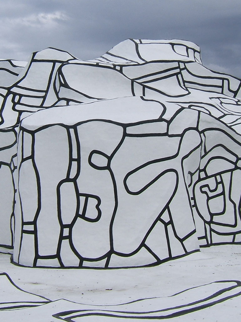 The largest sculpture created by Jean Dubuffet - Villa Falbala