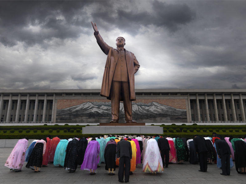 Eric Lafforgue – North Korea - People offer respect in the Great Mansudae Monument, in Pyongyang
