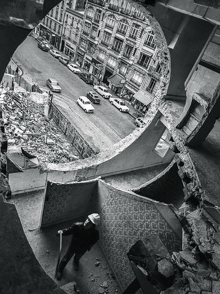 Why Gordon Matta-Clark cut holes in buildings - Conical Intersect