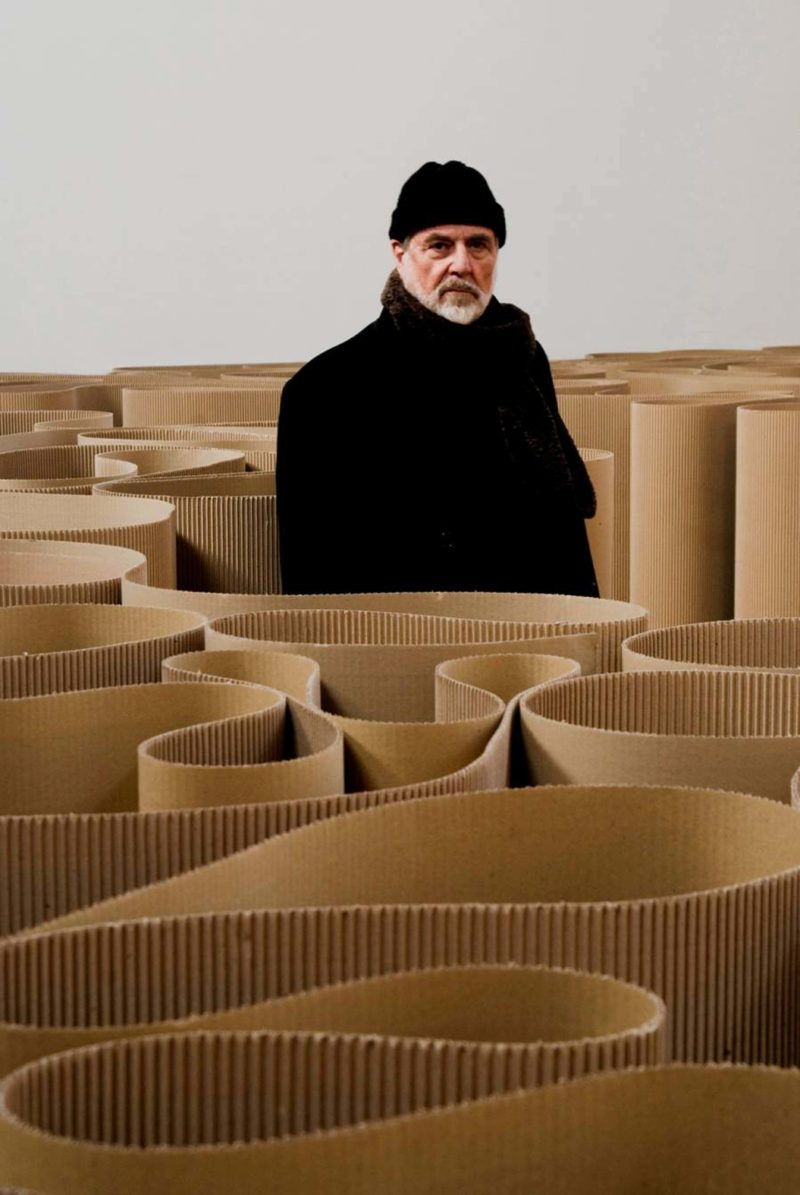 Michelangelo Pistoletto - The labyrinth, 1969-2007, 2100 meters of corrugated cardboard