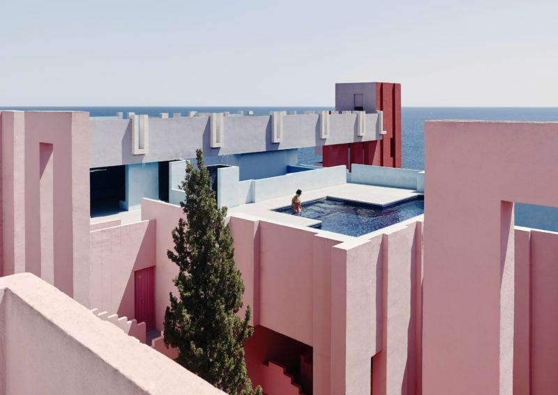 Ricardo Bofill – La Muralla Roja, 1973, Calpe, Alicante, Spain - The top swimming pool