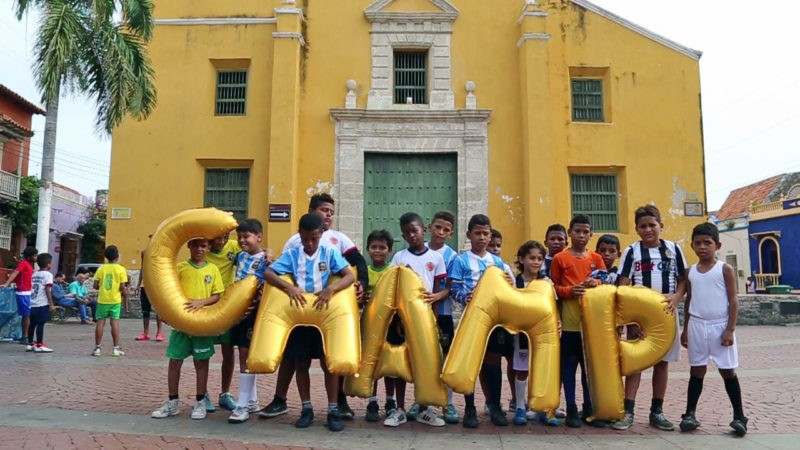 Colombia, Cartagena - Champ, Silence Was Golden, gold balloons